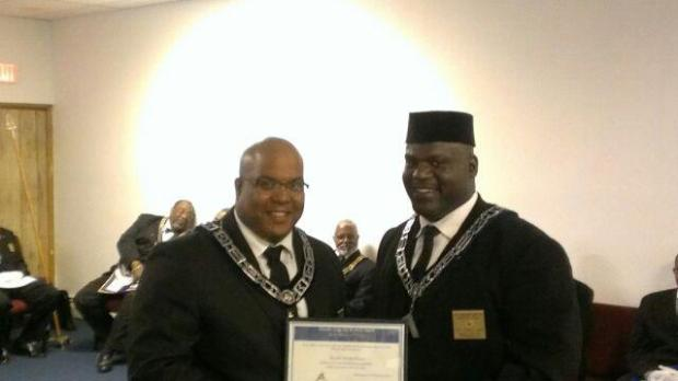 Bro Derek Pierson recieving his Master Mason of the Year Certificate from WM Ronald Sapp (2012-2013)